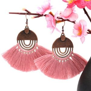 Jewelry - NEW boho pink tassel earrings